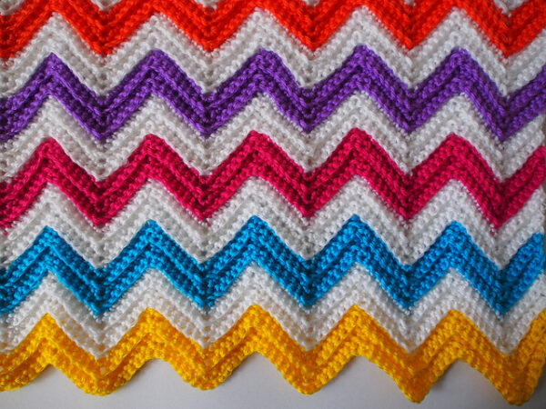 Crocheting Zig Zag Stitch : Tutorial - Zali Zig-Zag Chevron Crochet Pattern