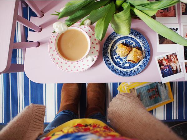 :: Happy Housewarming! New Blog Digs!