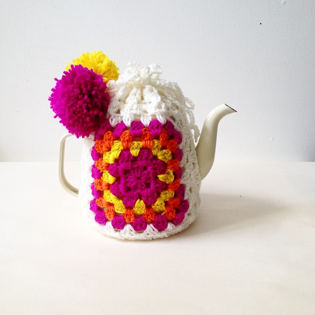 Here's what I made this afternoon! World's easiest tea cosy! How to up on my blog tonight. Xx #craftforthesoul