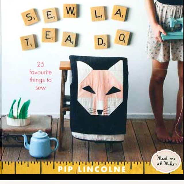 Aw! I loved making this book! And this fox quilt!