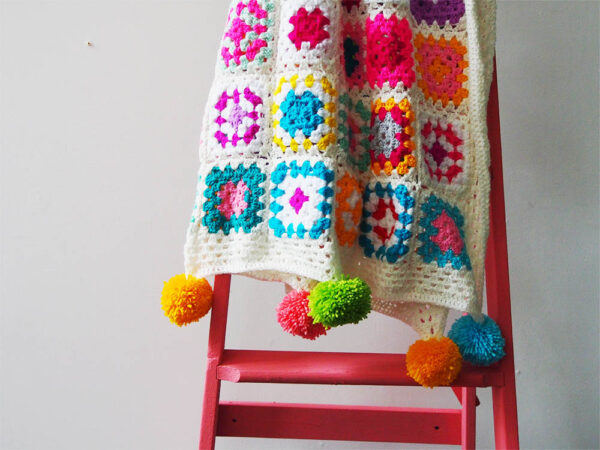 defahs blanket pompoms
