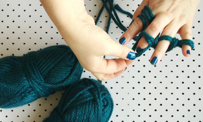 how to finger knit seven