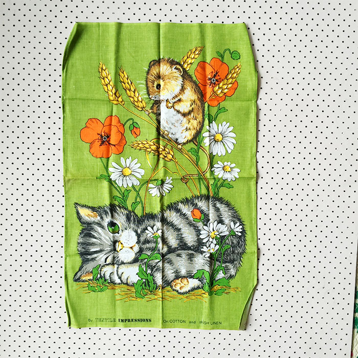 kitten-and-mouse-tea-towel