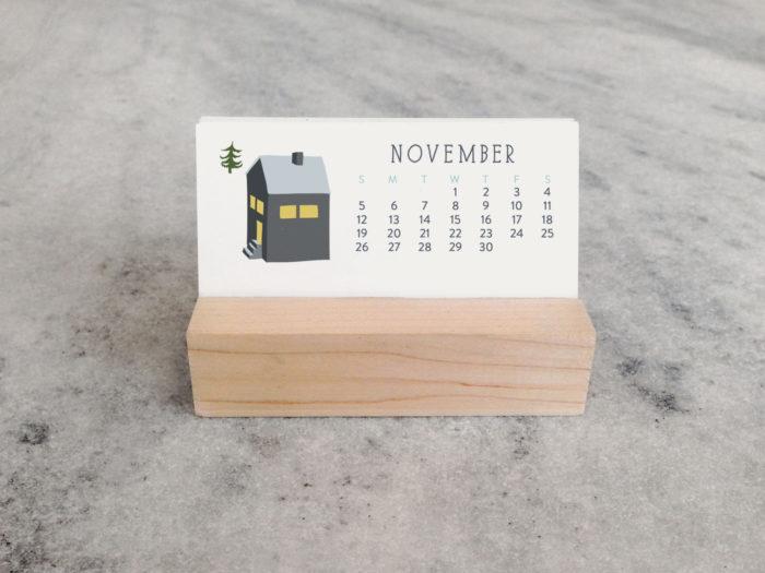 FavoriteStory made the Mini Desk Calendar