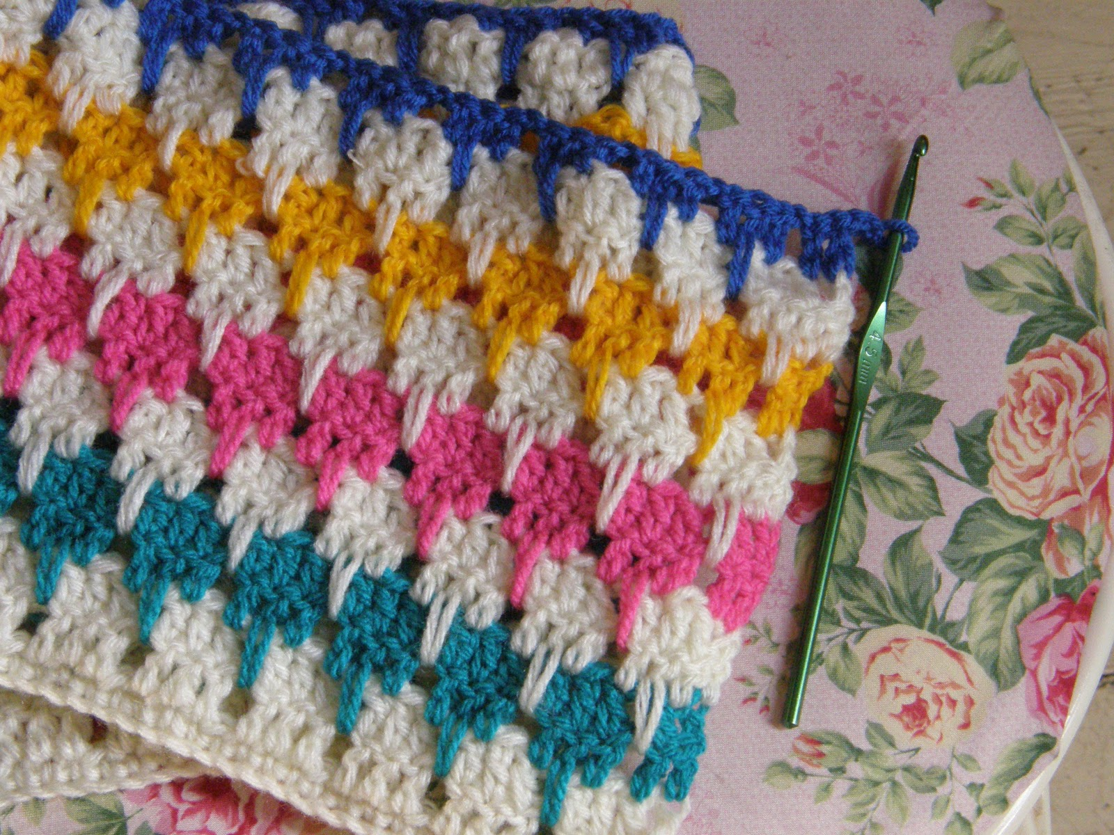How To Crochet A Larksfoot Blanket Or An Arcade Blanket